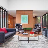 A Modern Urban Bucktown Home with Tranquil Courtyard